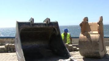 Aguçadoura: reconstrução do muro da Marginal