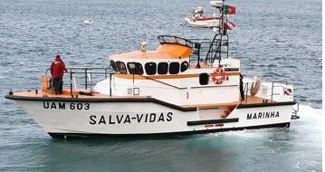 Embarcação da Póvoa de Varzim em risco de naufrágio